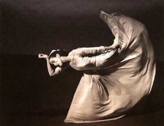 Martha_graham_Kick